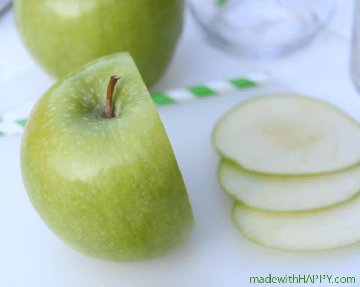 sliced-apple-sangria