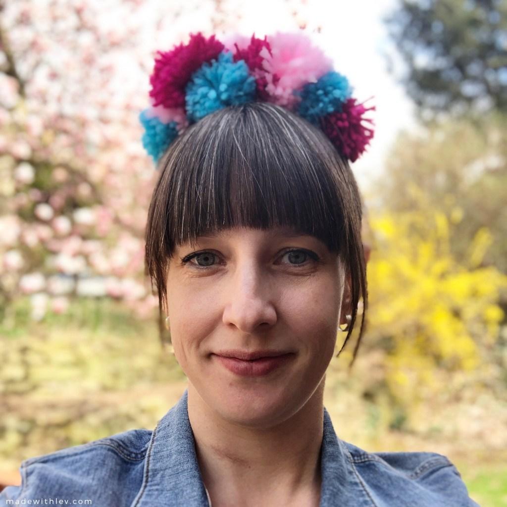 Pom Pom Headbands via Aww Sam