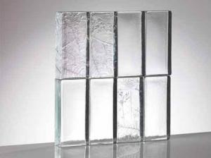 Mattoni di vetro Poesia alternativa artigianale al Vetrocemento o vetromattone tradizionale