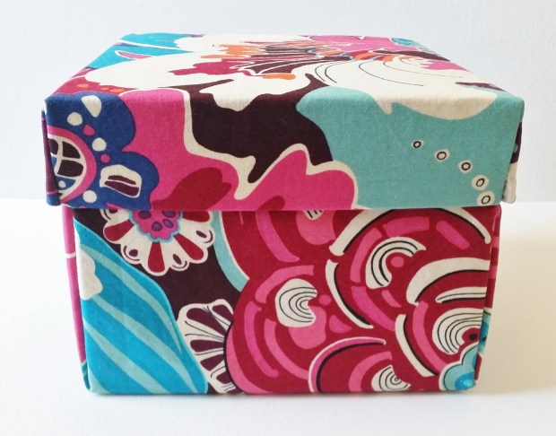 Mad For Fabric - DIY Fabric Box With Attached Lid Closed