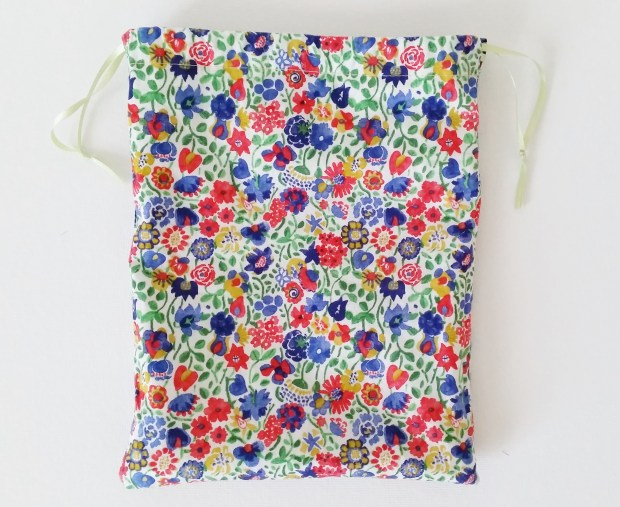 Mad For Fabric - Reversible Drawstring Bag Flat Reverse