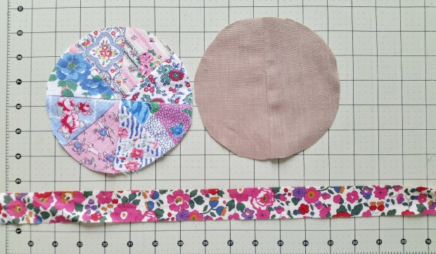 Mad For Fabric - Pincushion Top Bottom and Band Pieces