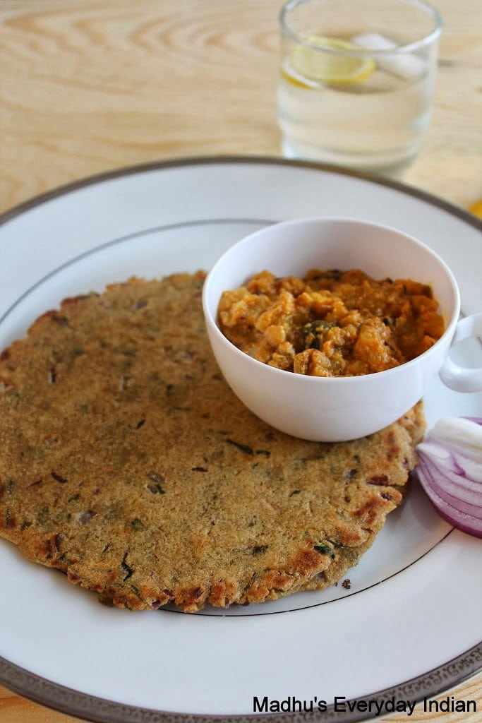 sorghum rotti served on a plate