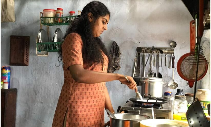 Cooking onnum padichille ethu vare? (Haven't you learnt any cooking yet?) I internalised misogyny