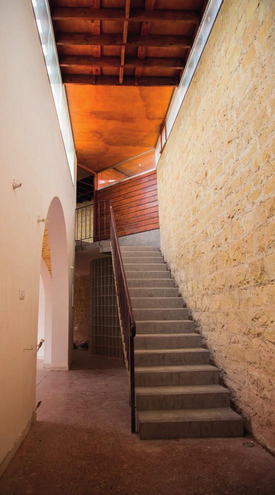 Escalier à crémaillère en béton armé