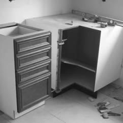 Www.kitchen Cabinets Triangle Kitchen 厨房:橱柜安装秀半边——房崇修房 66 | 美国装修知识介绍 装修知识 |装修搬家 麻省房产网