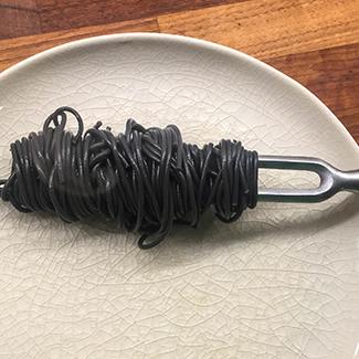 Spaghetti med joumfruhummerhaler og stenbidderrogn