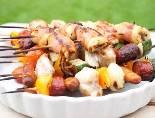 Grillspyd med kylling, chorizo og grøntsager
