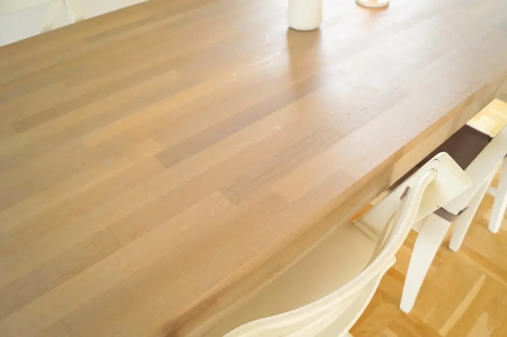 Fint og lyst spisebord