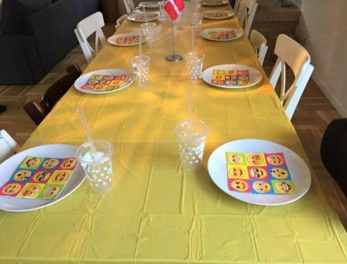 9 års fødselsdag med emoji tema