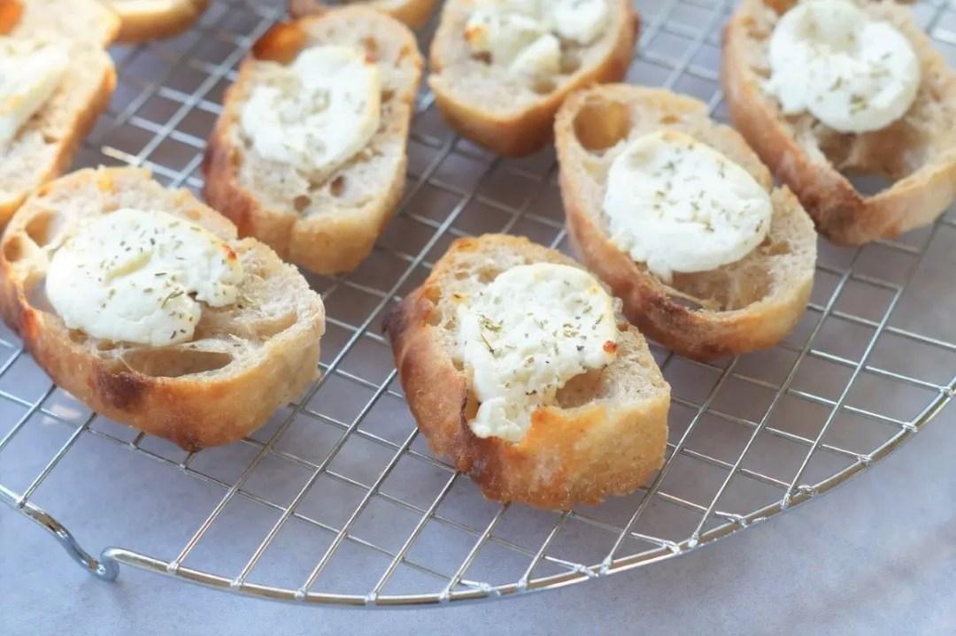 Brød med gedeost