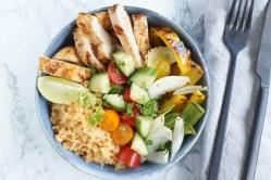 poke bowl med kylling og bulgur