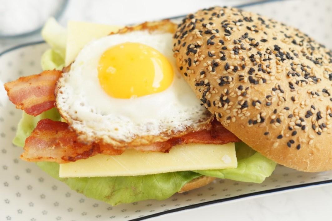 Burger med æg