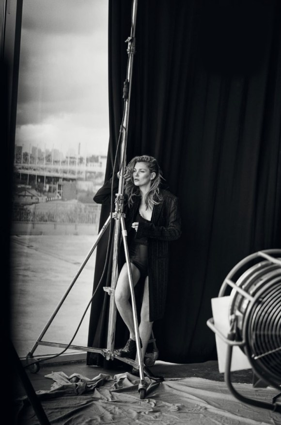 kate-moss-by-peter-lindbergh-for-vogue-italia-january-2015-13