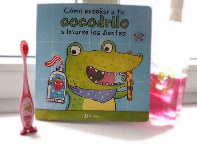 como enseñar a tu cocodrilo a lavarse los dientes