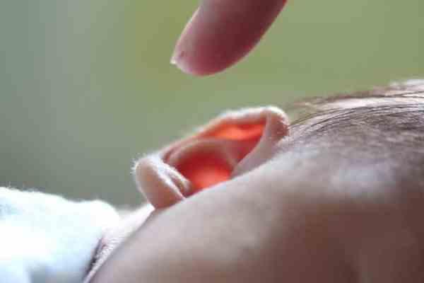 Hábitos que protegen el oído de tus hijos