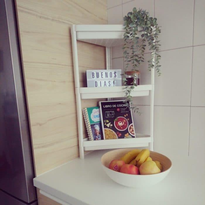 Cocina de Ikea con acabados Askersund y Kungsbacka