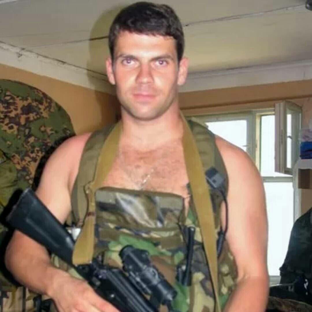 Morto per salvare dei bambini. L'eroe russo Aleksandr Valentinovič Perov
