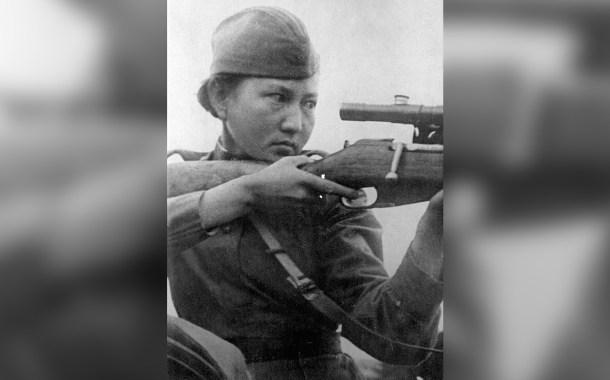 Il cecchino kazako Alija Moldagulova