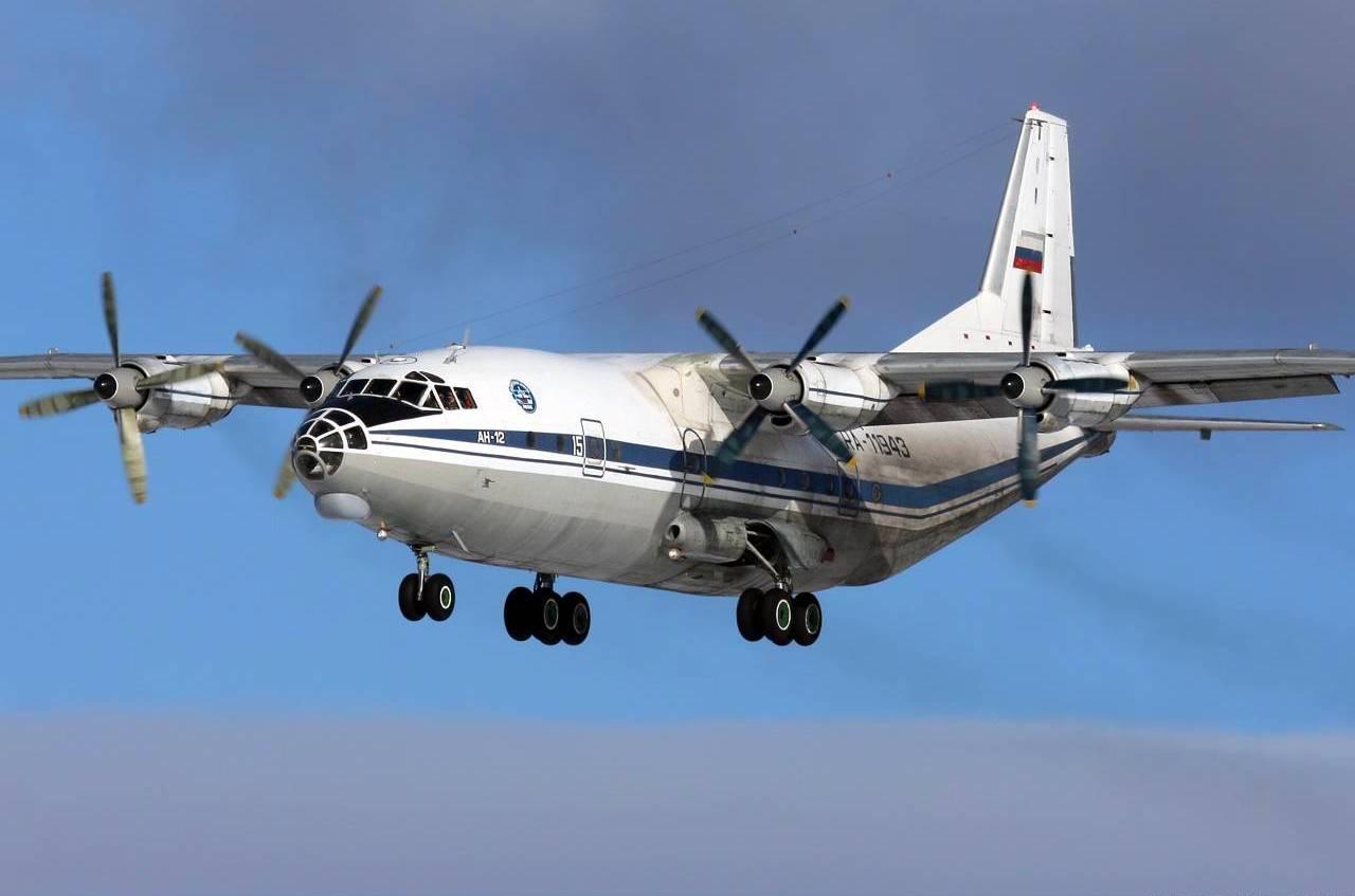 Il leggendario aereo AN-12