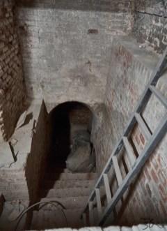 Túnel de salida al metro