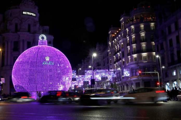 Ya es Navidad en Madrid: luces, bola 3D, abetos, cerezos y más Belenes 9