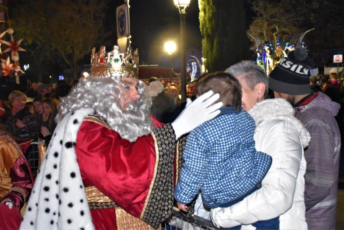 En imágenes | Sus Majestades Los Reyes Magos llegaron a Villaviciosa de Odón con una gran comitiva real 14