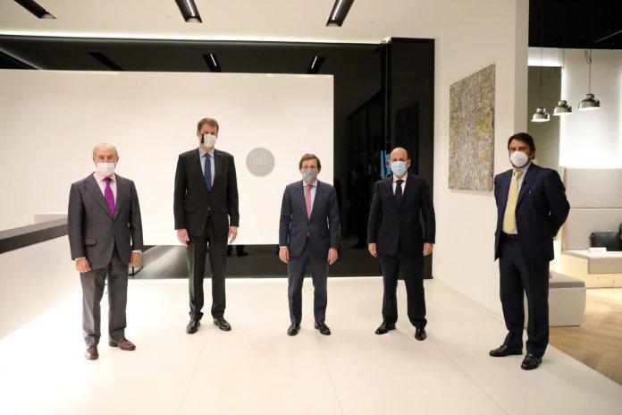 """Almeida anima a los inversores británicos a """"confiar"""" en Madrid 1"""