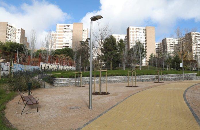 El nuevo jardín de Ribadavia abre sus puertas en el barrio del Pilar 2