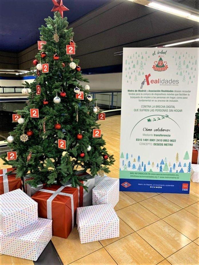 Un Metro, doce causas: un árbol de Navidad solidario en cada línea 3
