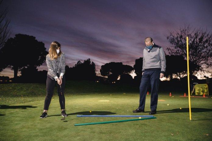 El 'pueblo' de Barajas ya tiene su primera escuela municipal de golf 3