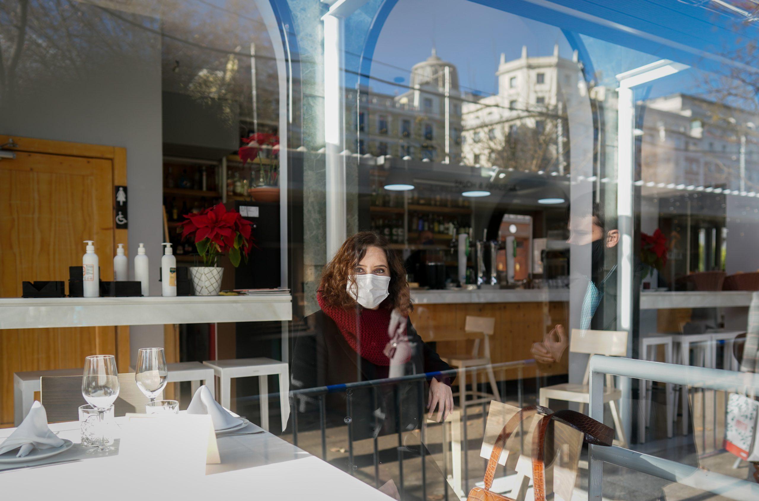 Díaz Ayuso y Martínez-Almeida: almuerzo de trabajo en el Café Gijón 5