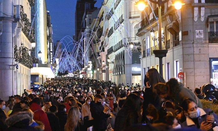 Diez días de cierre en Madrid, preludio de una Navidad contenida 1
