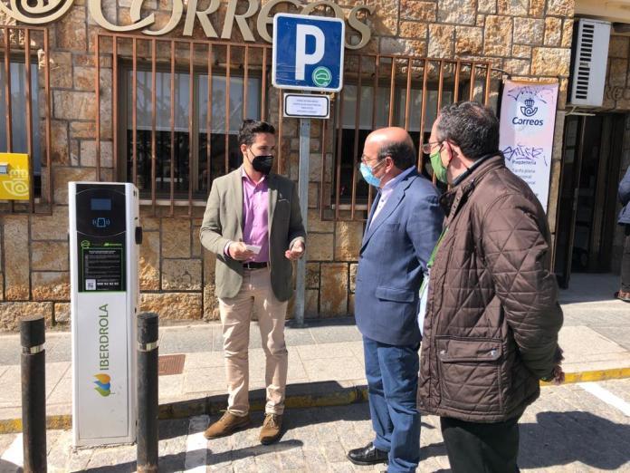 inauguracion puntos carga vehiculos electricos