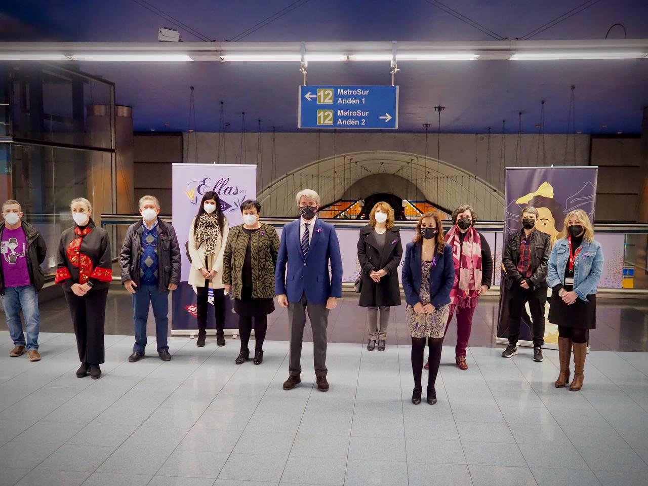 Madrid homenajea a mujeres relevantes de la Historia en la estación de Manuela Malasaña 1