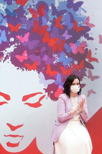 La Comunidad de Madrid premia a mujeres ejemplares en el 8M 7