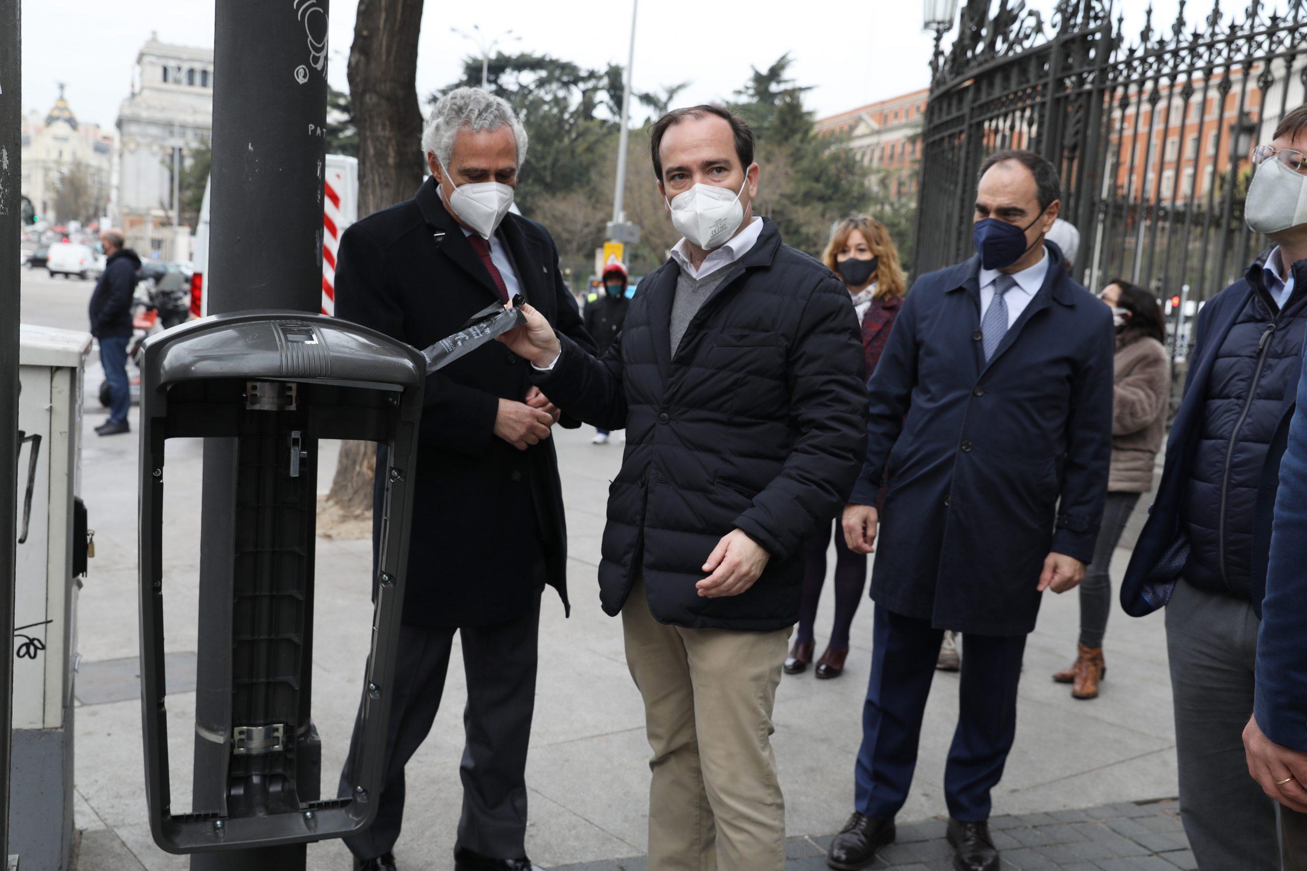 12.000 papeleras de Madrid tendrán sensores de llenado y disponibilidad en octubre 2