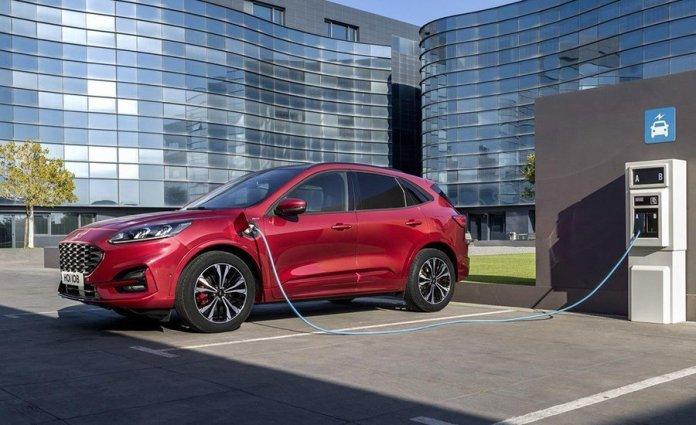 Los parkings no residenciales tendrán un punto de recarga eléctrica en 2023 1