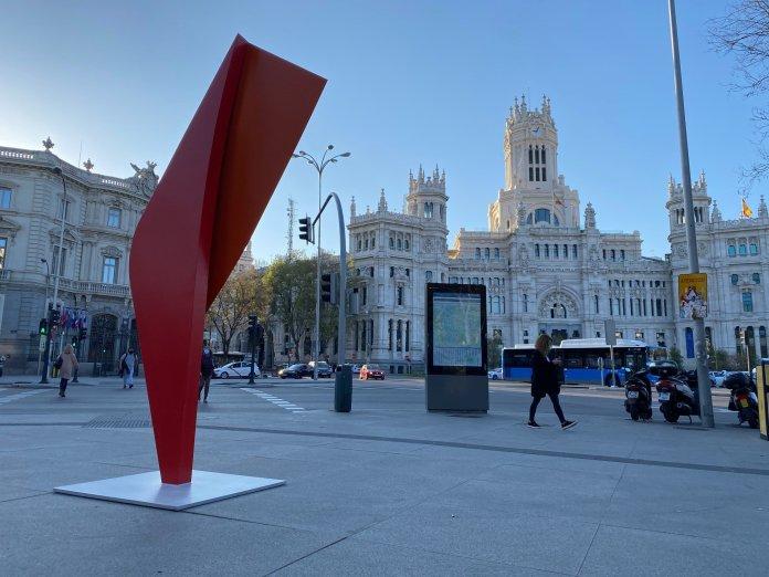 ¿Cuál es el origen de las esculturas que han aparecido en Madrid? 1