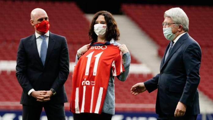 Ayuso y Almeida celebran la 11ª Liga del Atlético de Madrid 4