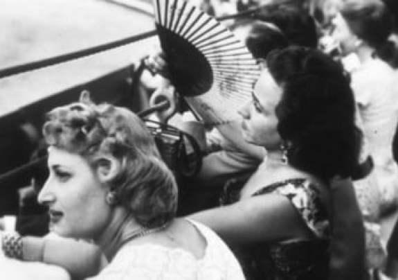 ¡Qué calor!, la exposición fotográfica veraniega de los años 30 a los 70 5