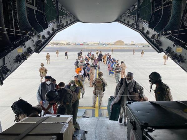 Evacuados afganos llegan a la base de Torrejón: Campamentos y protocolo Covid-19 1