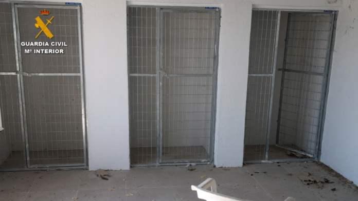 Dos detenidos por la muerte y maltrato de los perros de una residencia canina 1