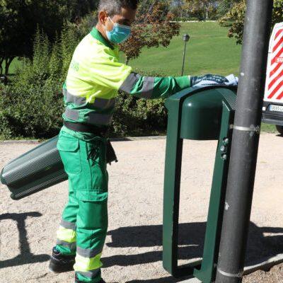 Las papeleras inteligentes y antivandálicas de los jardines de Madrid 2
