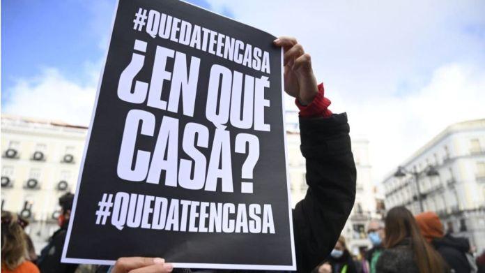 Una concentración en Sol pide la paralización de los desahucios |  Madridiario