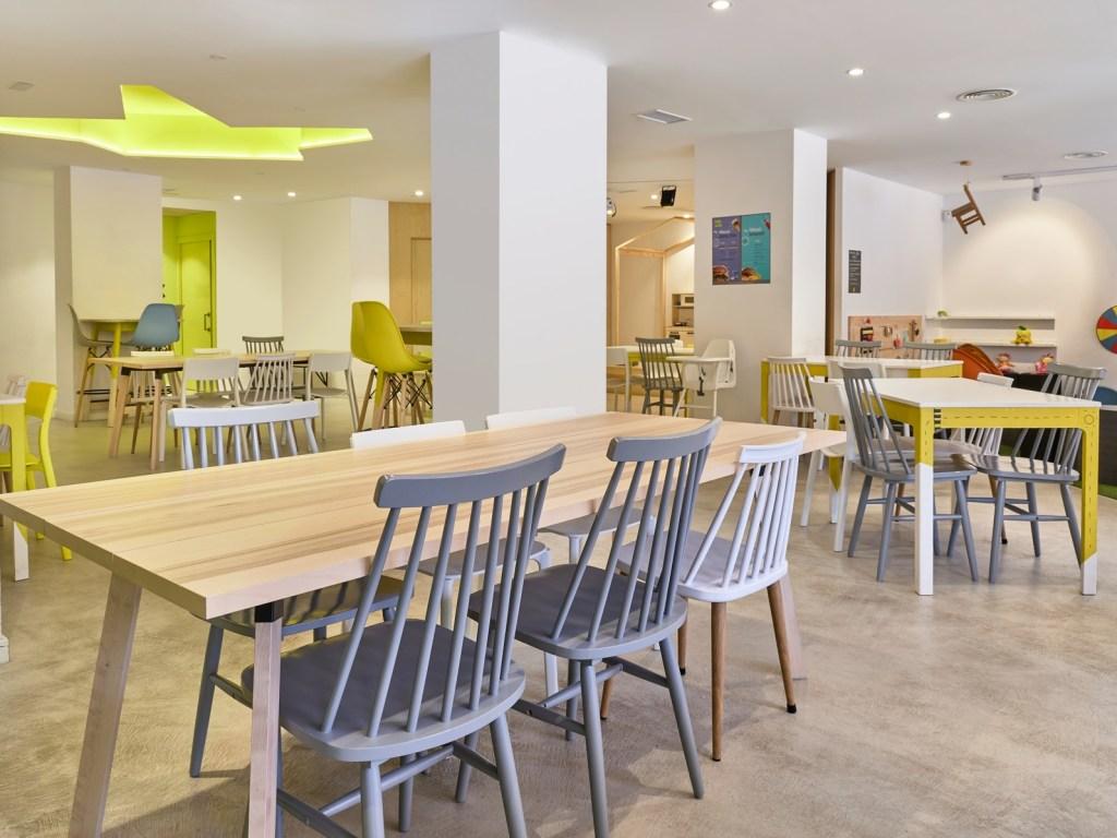 Cafeteria con Ludoteca 1