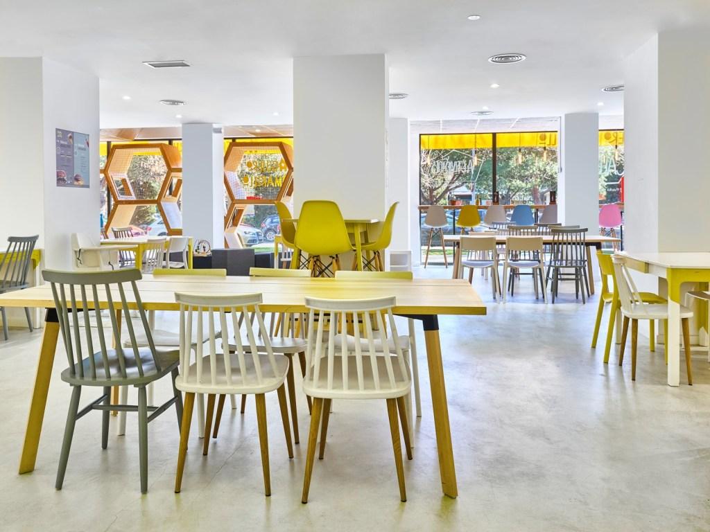 Cafeteria con Ludoteca 7