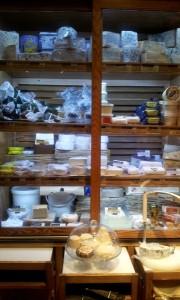10-hotspots-para-almas-foodies-madrid-quesos-amelie