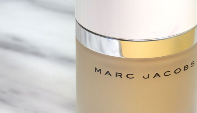 marc jacobs beauty Dew Drops Coconut Gel Highlighter líquido dew you iluminador 7