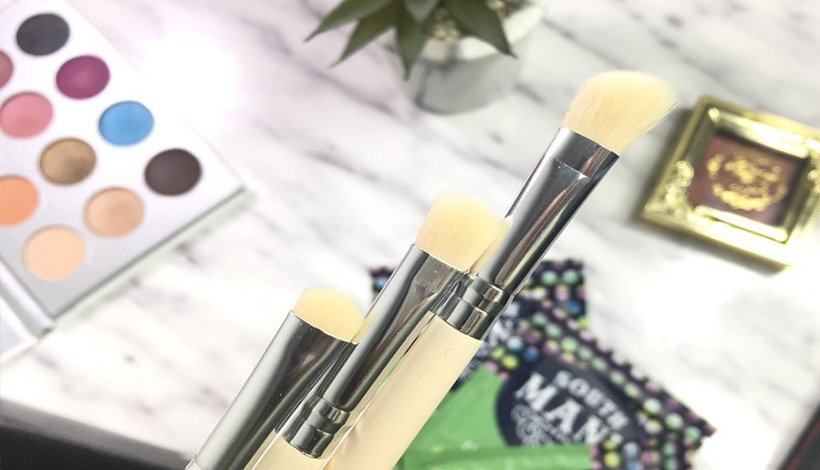 the vintage cosmetics brushes madridvenek boxycharm marzo 2018